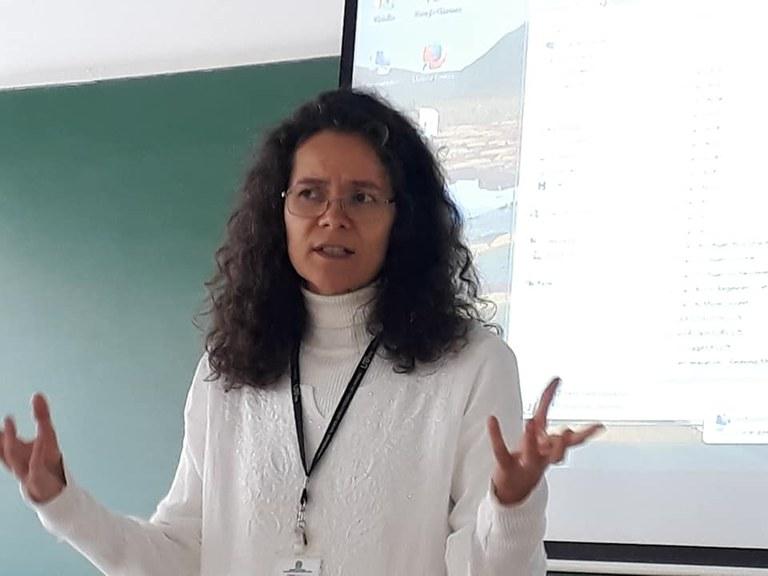 Oficina com a Profa.Dra. Natália Bueno, sobre a Educação para liberdade em espaços formais e não formais. Fechando o IHC Diálogico 2018