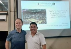 Prof. Edson Hirata com seu orientador, prof. Fernando Augusto Starepravo, na defesa da tese