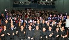 Músicos da Orquestra e do Coral com o público presente na sexta-feira