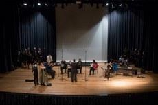 Orquestra e Coral da UTFPR durante Concerto realizado com a participação especial de convidados