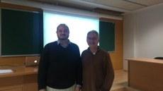 O professor da UTFPR, Eder da Costa dos Santos, e o líder do grupo de pesquisa, Josep Peñuelas Reixach