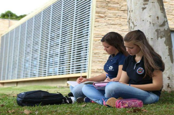 Alunas no Câmpus Dois Vizinhos (Foto: Ascom-DV)