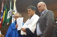 Reitor Luiz Alberto Pilatti durante ato de assinatura do acordo (Foto: Ascom-MD)