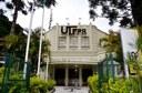 Entrada principal da UTFPR em Curitiba (Foto: Decom)