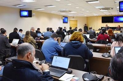 Imagem da última reunião realizada pelo Conselho Universitário