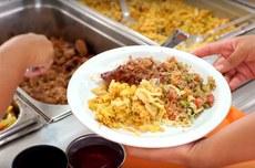 Refeição servida nos restaurantes universitários da UTFPR (Foto: Decom)