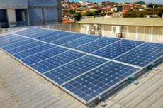 Sistema de geração distribuída do Laboratório de Eletrônica de Potência, Qualidade de Energia e Energias Renováveis (LEPQER) do Câmpus Cornélio Procópio, onde a pesquisa foi realizada
