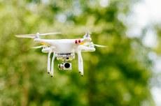 Drones equipados com câmeras multiespectrais fazem mapeamento das plantações (Foto: Freepik)