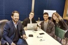 Estudantes divulgam episódios do podcast a cada duas semanas