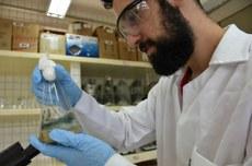 Laboratório de pesquisa no Câmpus Toledo (Foto: Decom)