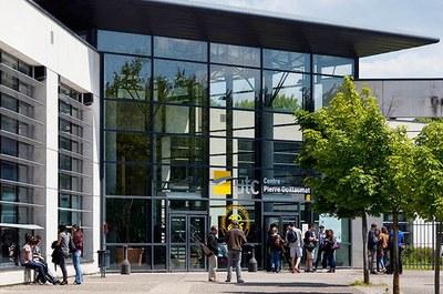 Entrada principal da Universidade Tecnológica de Compiègne, na França (Foto: Divulgação)