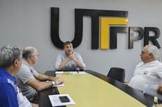 Reunião do reitor com membros do Sindutf | Foto: Decom
