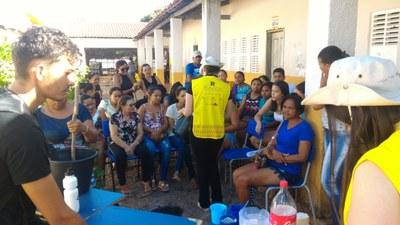 Alunos promovem oficina na comunidade | Foto: Equipe Rondon
