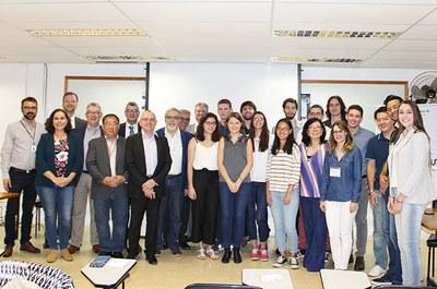 Estudantes selecionados e coordenadores do programa Engenheiro 3i