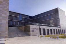 Fachada da instituição italiana Unimore (Foto: Divulgação)