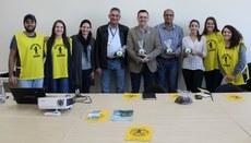 Na foto, o Diretor-Geral do Câmpus Londrina, Prof. Sidney, com os integrantes da Comissão de Gestão de Resíduos Sólidos e os Visitantes.