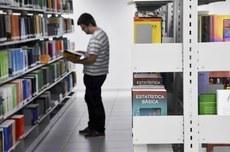 Editais oferecem apoio à permanência de estudantes na UTFPR (Imagem: Decom)