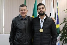 Alan Vinicius de Lara, campeão na modalidade E-Games FIFA